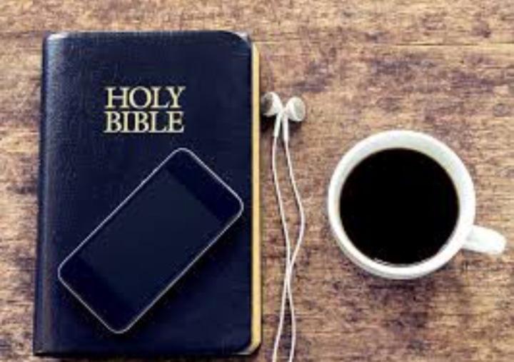 Cette histoire de préparation de mariage… Al'église!